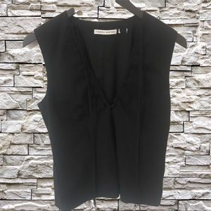 Finder Keepers black top with zip up back